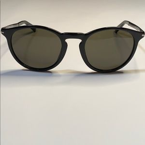 GUCCI Shiny Black/ Grey Sunglasses